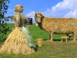 2003 Strohskulpturen