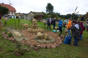 2017 Strohskulpturen Aufbau_42