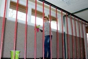 Fenster putzen in der Halle Attlisberg_2