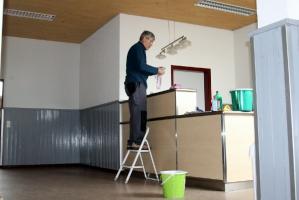 Fenster putzen in der Halle Attlisberg_4