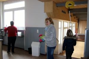 Fenster putzen in der Halle Attlisberg_7