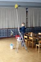 Fenster putzen in der Halle Attlisberg_8